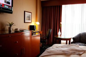 Executive Airport Plaza Hotel, Hotels  Richmond - big - 2
