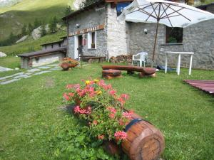 Photo of Hotel Chalet Val Ferret