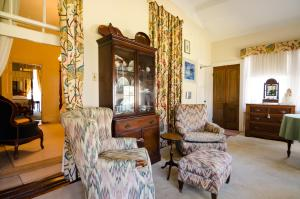 Superior Two-Bedroom Suite- Routhland Suite