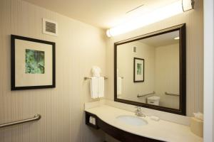 Deluxe Queen Room with Two Queen Beds - Hearing Accessible