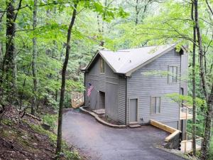Lake Pettit Lodge Home