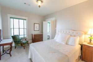 Deluxe Queen Room - Big River Suite, North
