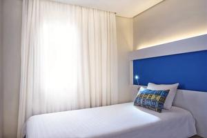 Premium Apartment with 1 Double and 1 Single Bed ( 4 Adults)