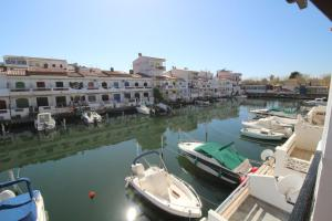 Porto Fino C-5, Apartments  Empuriabrava - big - 2