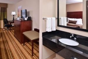 Queen Room with Two Queen Beds - Pet-Friendly/Non-Smoking