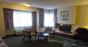 Airport Plaza Hotel, Hotel  Reno - big - 38