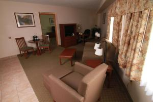 King Suite with Living Room and Spa Bath