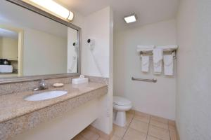 Queen Room with Ocean View - Disability Access - Non smoking