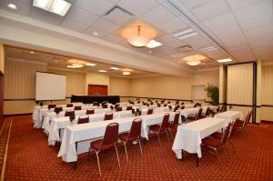 Best Western PLUS Tacoma Dome Hotel, Hotels  Tacoma - big - 40