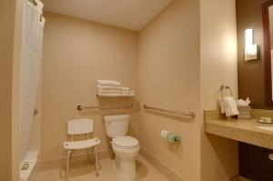 Queen Room - Disability Access Tub