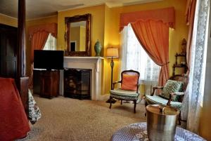 Superior Queen Room - Riverside Suite