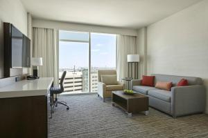 King or Queen Room with City View - Concierge Level
