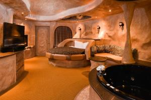 King Room with Spa Bath and Fireplace