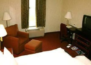 Queen Room with Two Queen Beds/Mobility Hearing Accessible with SofaBed- Non-Smoking