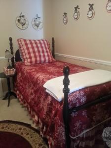 King Room with Two Twin Beds