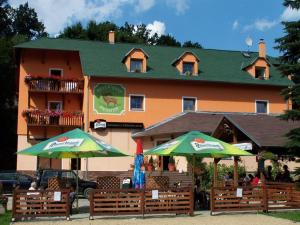 Restaurant - Pension U St&#345;&iacute;brn&eacute;ho Jelena (Zum Silbernen Hirsch)