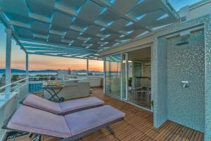 Апартамент Sunset Penthouse Apartment, Задар