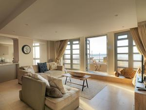 Three Bedroom Sea Facing Apartment