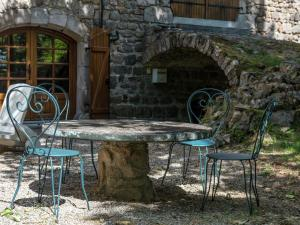 A Beautiful Stone farmhouse, Villas  Saint-Bonnet-le-Froid - big - 19
