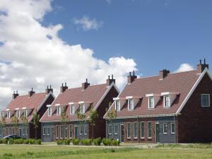 Holiday home Charming Beveland III, Holiday homes  Colijnsplaat - big - 9