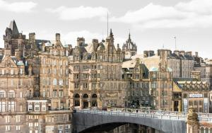 20 North Bridge, Edinburgh, EH1 1TR, Scotland.
