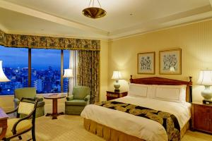 Superior King Room with City View and Spa Access