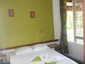 Double Room with Shared Bathroom no A/C 6