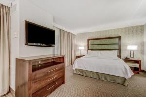 1 King Bed 1 Bedroom Suite Non Smoking/Balcony