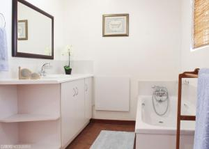One-Bedroom Apartment - Beethoven Lodge