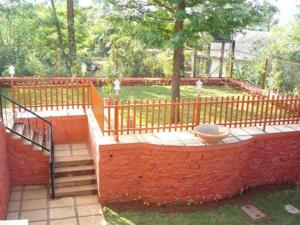 3 Bedroom Bungalow with a Lawn near Mahabaleshwar, Ville  Mahabaleshwar - big - 7
