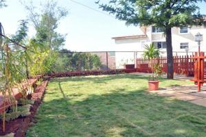 3 Bedroom Bungalow with a Lawn near Mahabaleshwar, Ville  Mahabaleshwar - big - 16