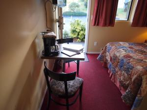 Small Double Room (2 Adults) - 120 square feet