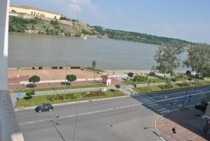 Top place river side apartment -great view 55m2, Apartmanok  Újvidék - big - 4