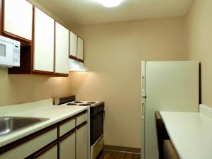 Deluxe Studio with 2 Double Beds - Non-Smoking