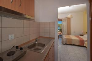 Akti House Apartments and Studios, Appartamenti  Vourvourou - big - 28