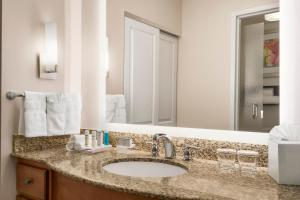 Two-Bedroom Suite - Hearing Disability Access with Tub