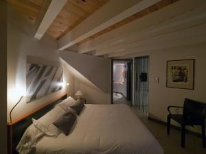 Sous les courtines, Holiday homes  Carcassonne - big - 4