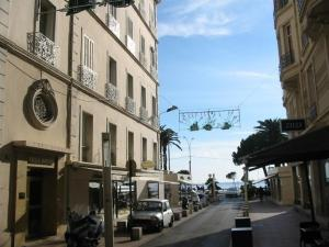 - Cannes 2054 - Hotel Cannes, France