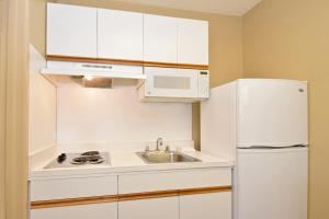 Extended Stay America - Tampa - North Airport, Апарт-отели  Тампа - big - 19