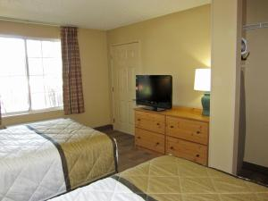 Studio with Two Double Beds - Disability Access/Non-Smoking