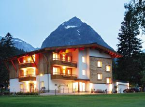 Apart Garni Alpenperle - Apartment - Pertisau am Achensee - Exterior - Winter