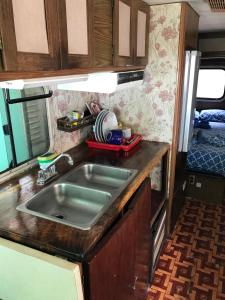 Deluxe Triple Room with Sea View - motor home