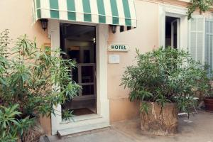 - Hotel Chanteclair - Cannes, France