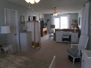 Fish Tales Home, Holiday homes  Dauphin Island - big - 10