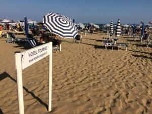 Hotel Touring, Hotely  Lido di Jesolo - big - 59