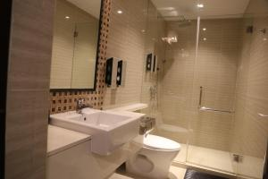 Single Room with Shared Bathroom and Gym Access - 12 Hours Usage