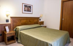 Grand Hotel Victoria, Hotely  Bagnara Calabra - big - 57