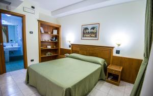 Grand Hotel Victoria, Hotely  Bagnara Calabra - big - 55