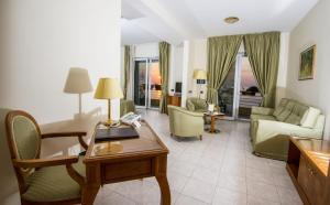 Grand Hotel Victoria, Hotely  Bagnara Calabra - big - 54