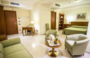 Grand Hotel Victoria, Hotely  Bagnara Calabra - big - 52